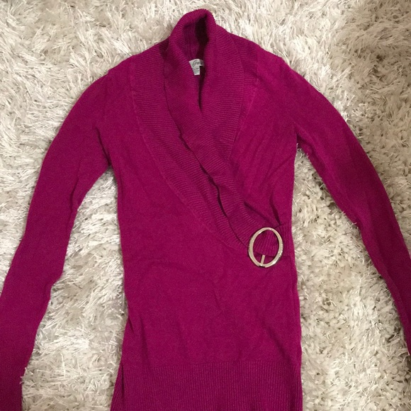 Guess Sweaters - Magenta sweater